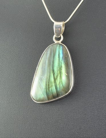 Labradorite Pendant Wishing Well Hobart